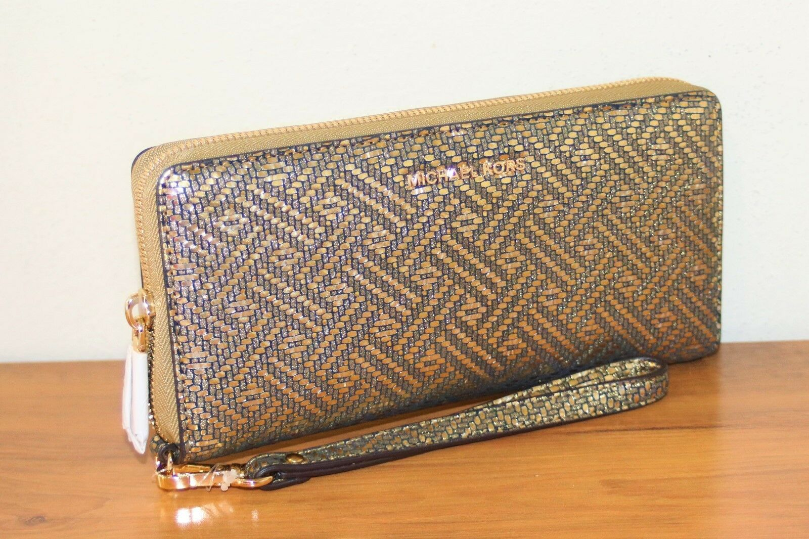 94d720eecd9174 Michael Kors Metallic Leather CONTINENTAL Purse Retail Cyber Monday for  sale online | eBay