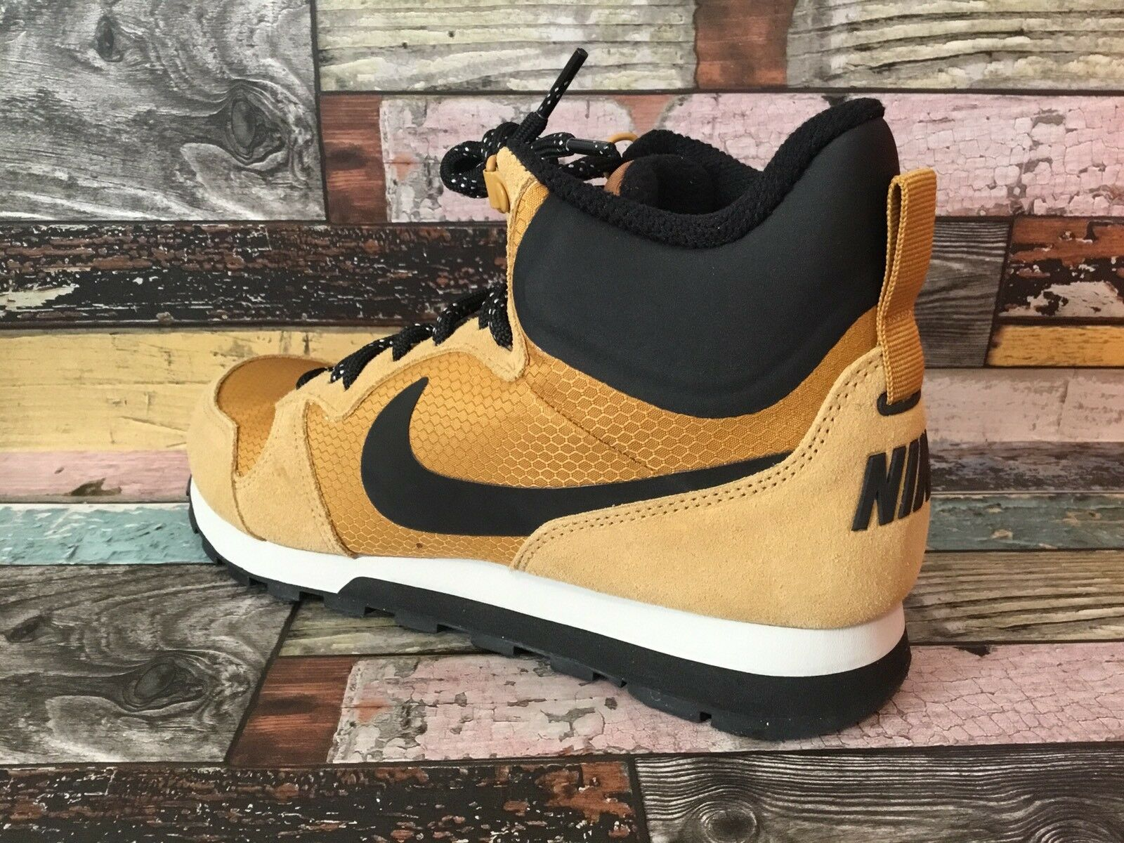 NIKE MD RUNNER 2 Mid Premium     US 7 EUR 40   844864-701 Grano 27072a