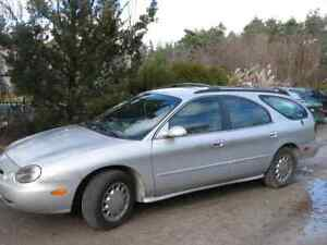 1996 Ford Taurus Station Wagon - Good Shape!