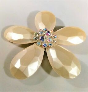 Vintage-Cream-Flower-Brooch-Pin-Aurora-Borealis-Rhinestones-Ivory-White-Tone-Big