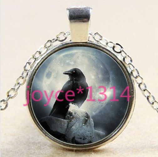 Vintage jewelry Cabochon Glass silver Necklace pendants:crow bird black cat