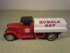 1993 Ertl HUBBLE / EXXON 1930's Tanker Truck 1/25 Diecast Bank NIB Travel Club