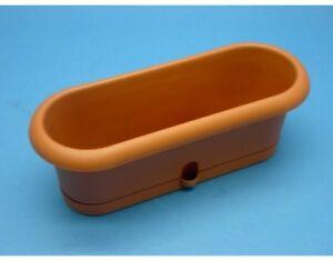Vaso-Fioriera-Pierina-in-plastica-ovale-con-sottovaso-color-terracotta-30X10-5Cm