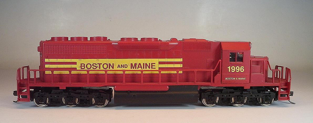 Mehano H0 US Diesellok 1996 Boston and Maine 6-achsig 2= Gleichstrom  8836