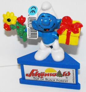 Smurf-Gift-and-Flowers-Smurf-A-Gram-Schunwold-Top-of-Black-Forest-Promo-Figurine