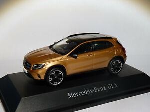 Mercedes-Benz-GLA-restylee-X156-au-1-43-de-MINIMAX-SPARK-ref-B66960541