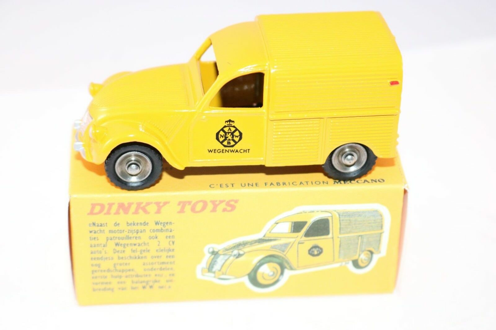Dinky Toys 462H Citroën 2CV Wegenwacht ANWB in super repainted condition in box