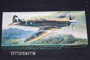 """Fujimi 1//72 Spitfire F.R.Mk.14E /""""Fighter Recon/"""" No.28 Squadron World War II 1946"""