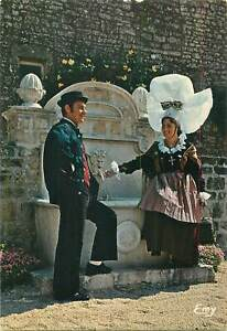 Postcard-Ethnic-rural-costumes-folklore-French-Normandie