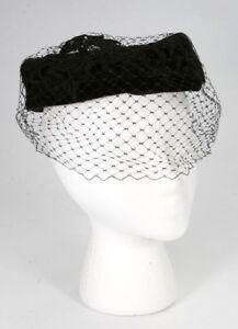 Vintage-1950-039-s-60-039-s-Fancy-Church-Black-Velvet-Pill-Box-Hat-Black-Netting
