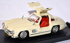 Model Building Mercedes Benz 300 Sl W 198 Gullwing 1954-57 Red Red 1:43 Automotive