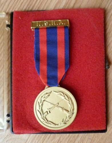 ADNF National Small Bore rifle association de tir bisley médaille + boîte origine