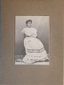 Fotografia-un-donna-Robe-Modalita-Vintage-Agosto-1909-PL34L5P1