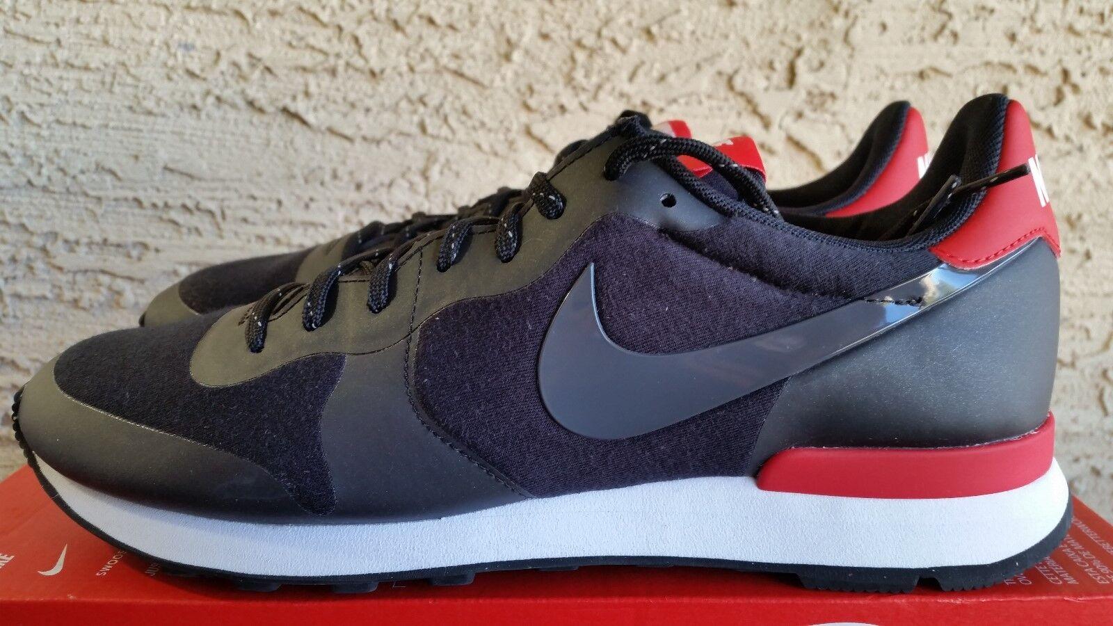Nike Women's Internationalist Tech Fleece Black 749556 002 Size 11.5 = men's10