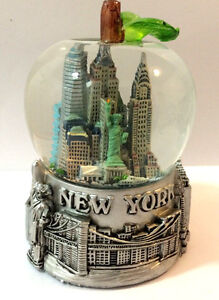 APPLE New York City Snow Globe 3.5 Inch (65mm) Skylines & Statue liberty WG109