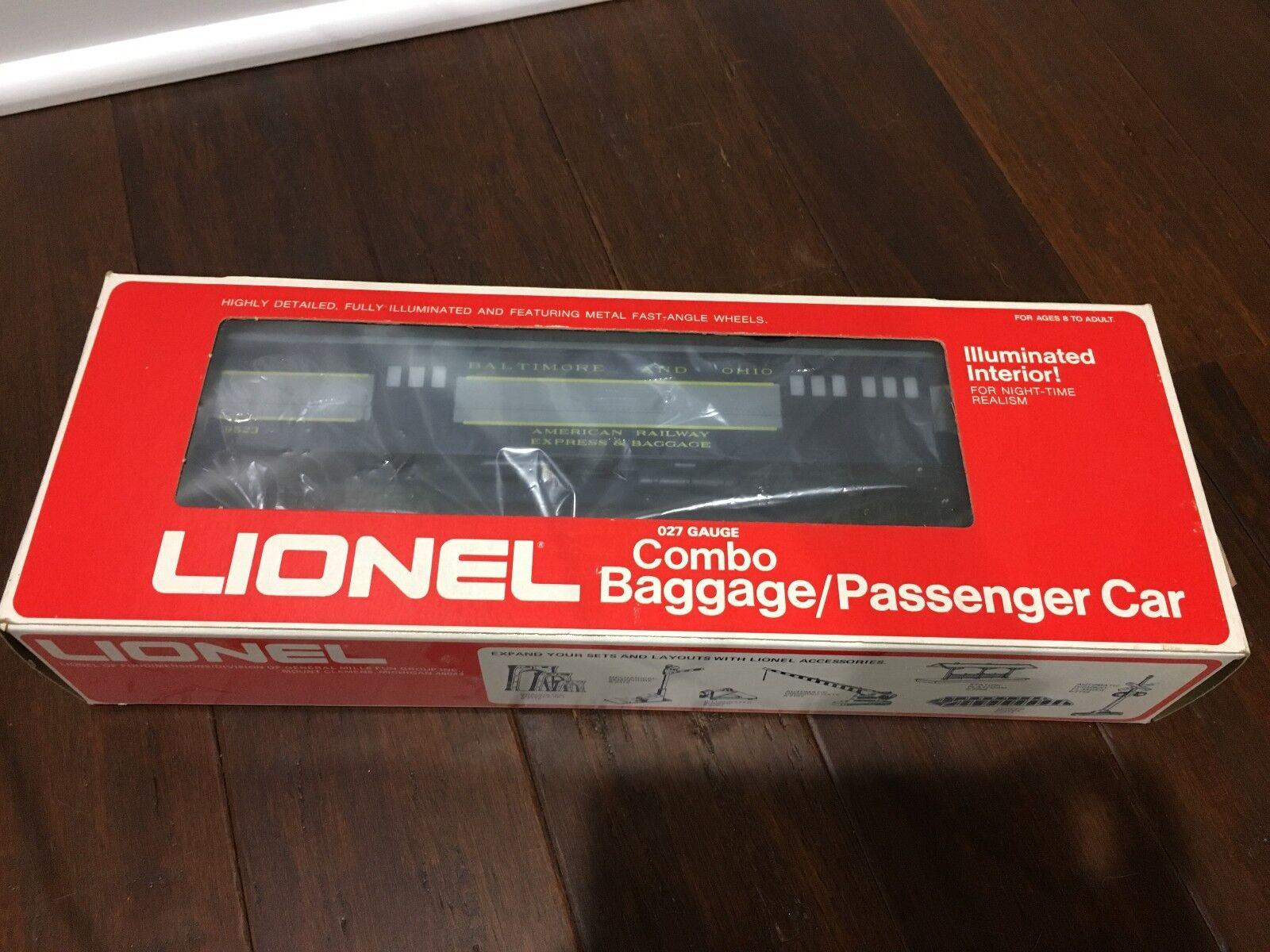 Lionel Standard  O  Illuminated-Baltimore & Ohio Baggage Car