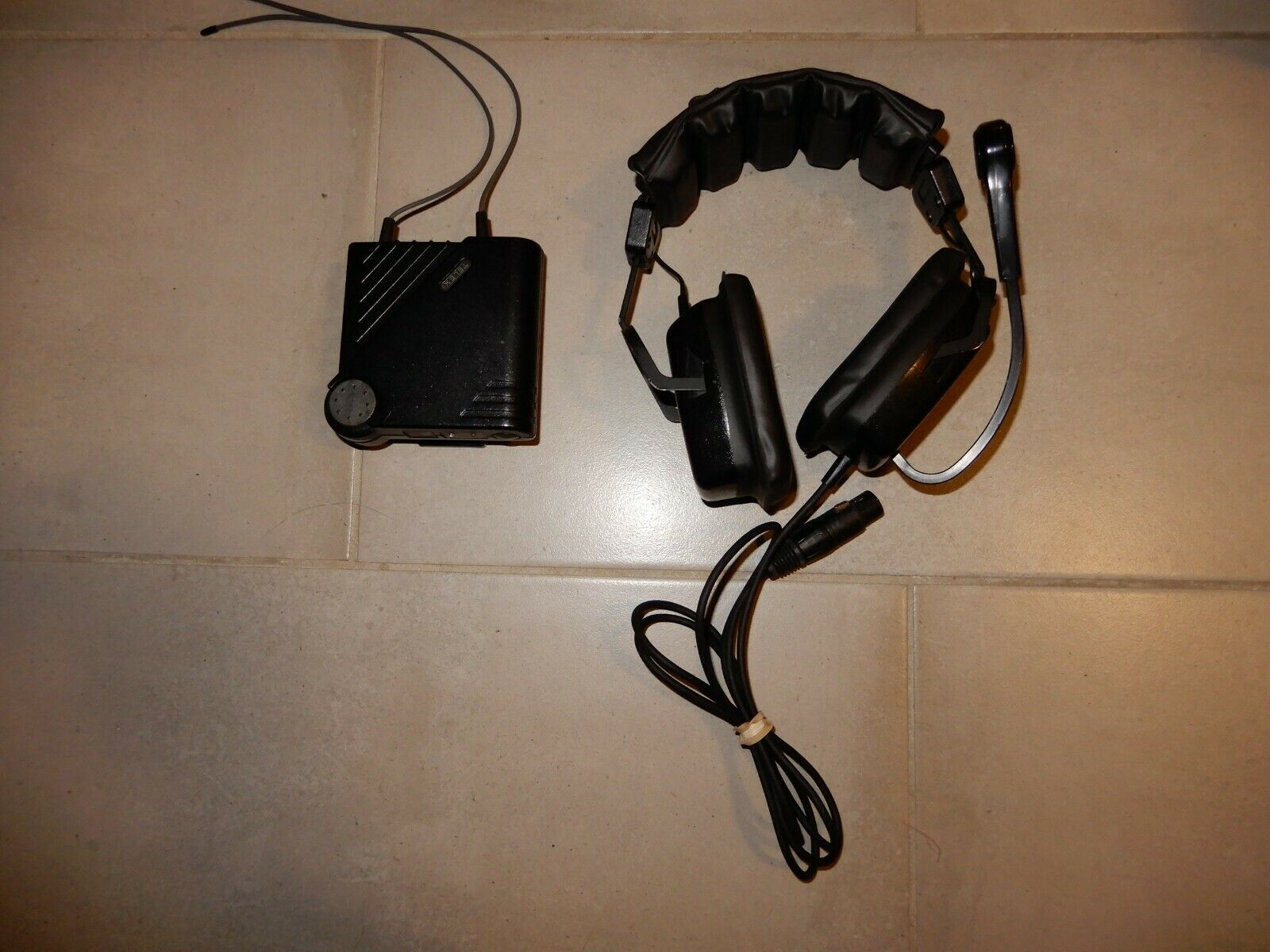 TELEX 64437 PH-2 Headset with 70681 Wireless Mic Transmitter T206 Beltpack