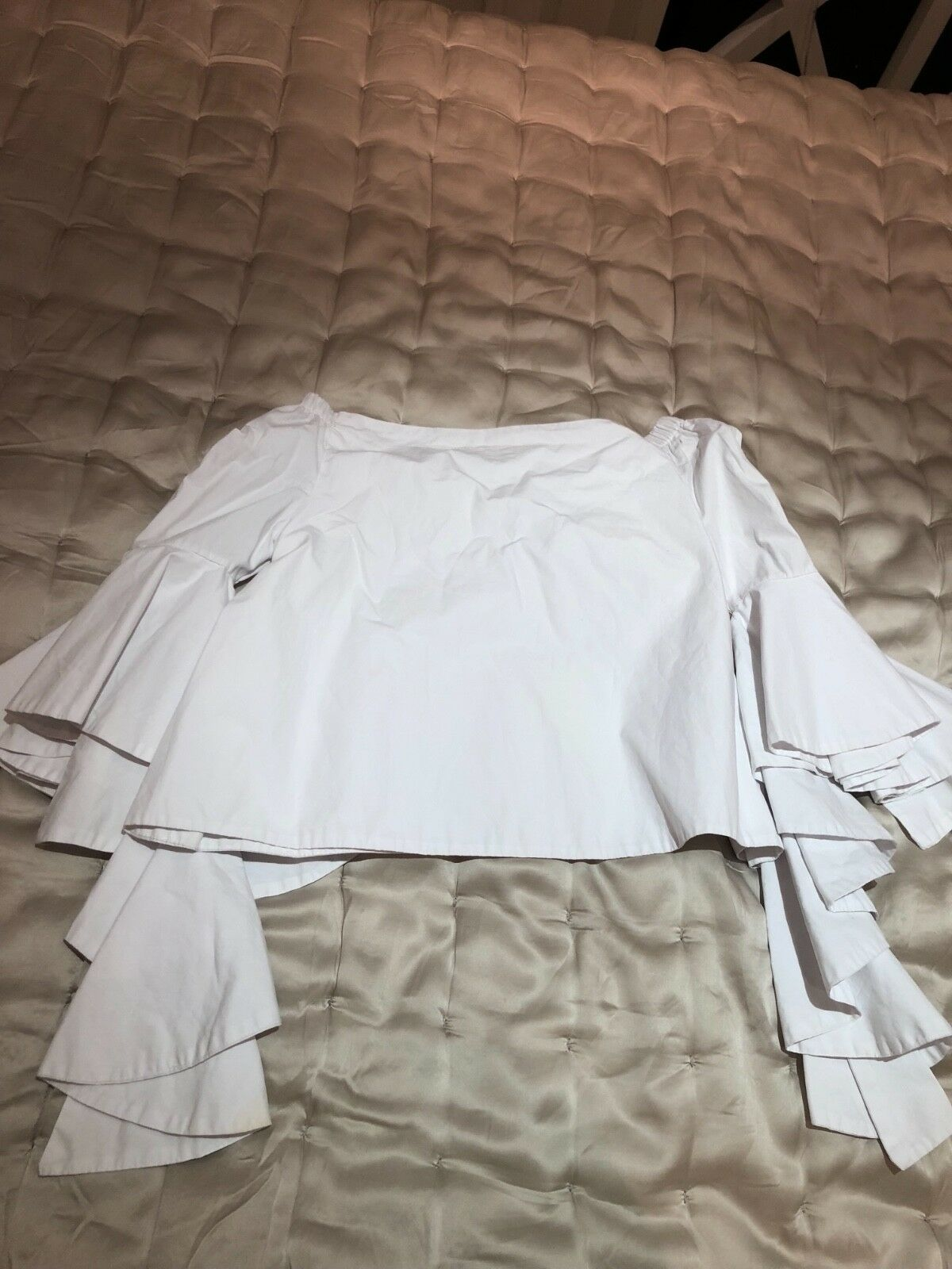 0a0f173b8ed19 Alice & Olivia white shoulder top shirt off the nncwsr20158-Tops ...