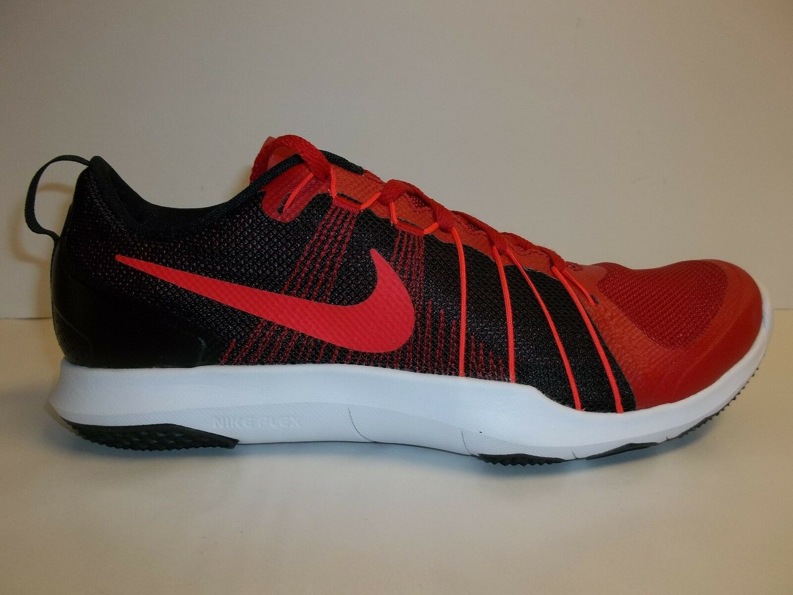 Nike Size 10 FLEX TRAIN AVER Red Black Training Sneakers New Mens shoes