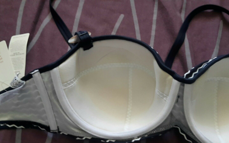 Bikini ESPRIT hose hose hose Gr.44 Cup D 85 oberteil | Heißer Verkauf  | Shop  | Wunderbar  | Neues Design  | Ausgezeichnetes Handwerk  3556b8