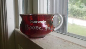 Details about SOUVENIR BOONE,IOWA RUBY RED STAINED GLASS MINIATURE CHAMBER  POT THUNDER MUG