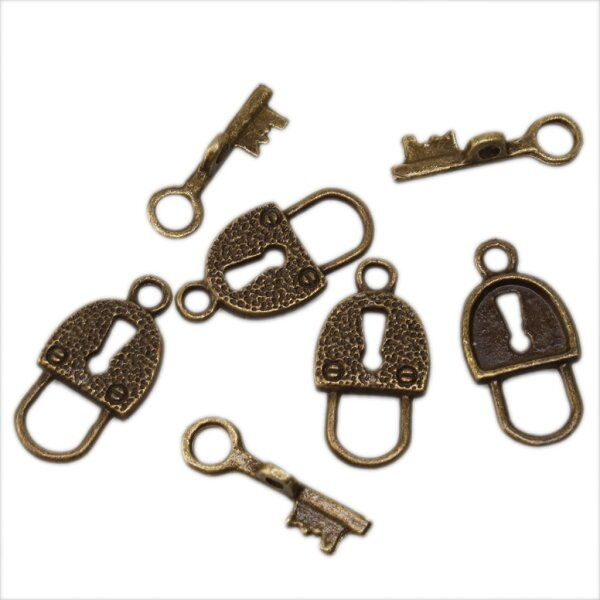 50x Antique Bronze Lock Key IQ Buckle Pendants 160417
