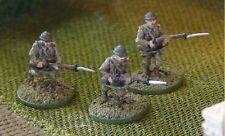 EWM Freinf03 1/76 Dcast WW2 French Infantrymen Attacking w/Fixed Bayonets-3 Figs