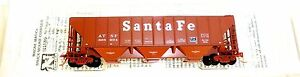 ATSF-PS2-3bay-High-Side-COVERED-Hopper-Micro-Trains-096-00-010-N-1-160-HU3-a