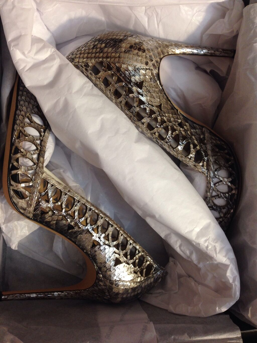 Brand Brand Brand New Authentic Alexandre Birman Laser-Cut Python Pumps Taille 38.5   8.5 3811fc