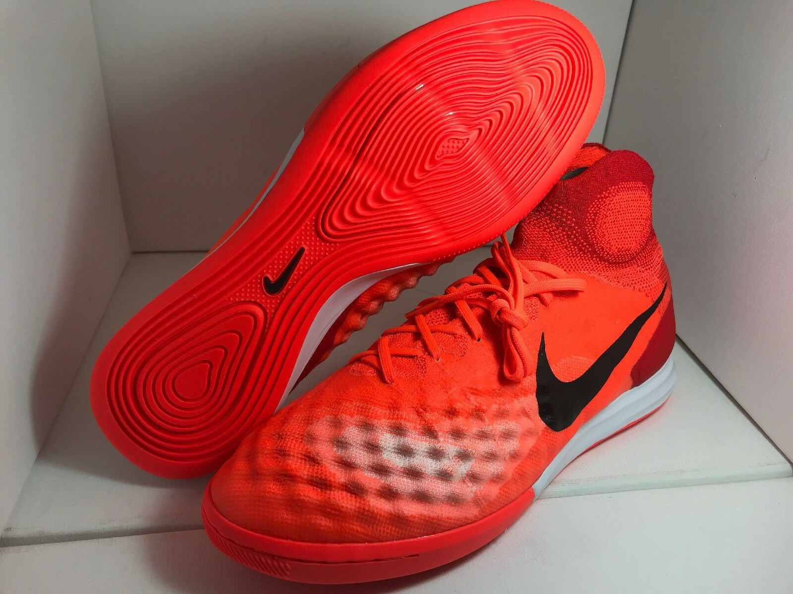 New Nike MagistaX Proximo II IC DF ACC SOCCER 843957 805 Size 10.5 MSRP:  175