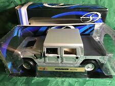 Maisto Hummer 1:18 scale die cast metal model -30857 - Hard Top