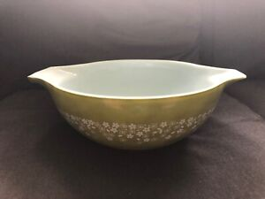 Large CRAZY DAISY Pyrex Glass Cinderella Bowl