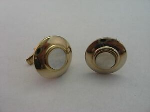 Vintage Mother Of Pearl Round Gold Tone Mens Cufflinks