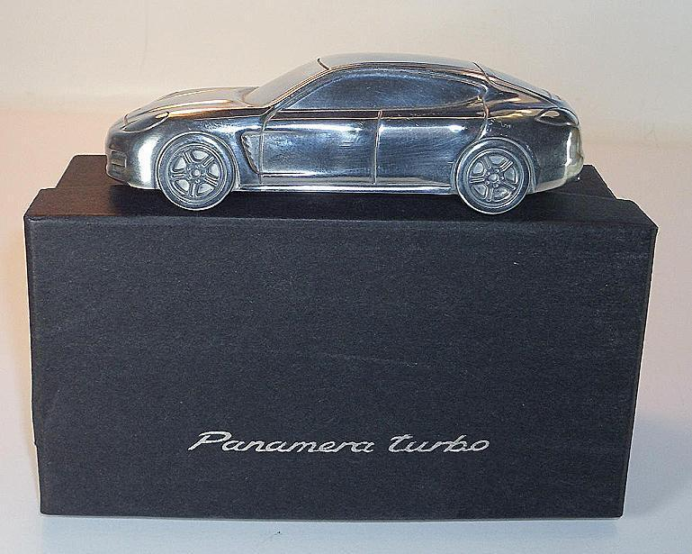 Modèle 1 43 PORSCHE Panamera Turbo CHROME comme comme comme Presse-papiers dans O-Box  2851 6662be