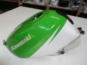 1-Kawasaki-ZX-6R-ZX-600-F-Ninja-Tank-Benzintank-Kraftstofftank-Kraftstoffbehaelt