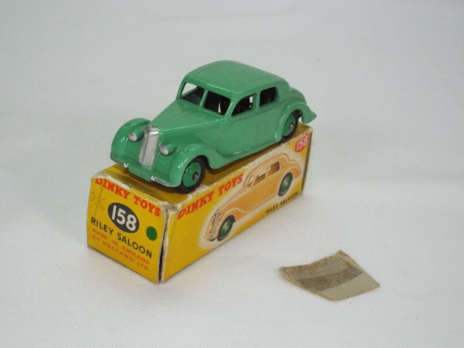 DINKY TOY Nº 158 est le modèle de la RILEY SALOON VNM et Tatty Box.