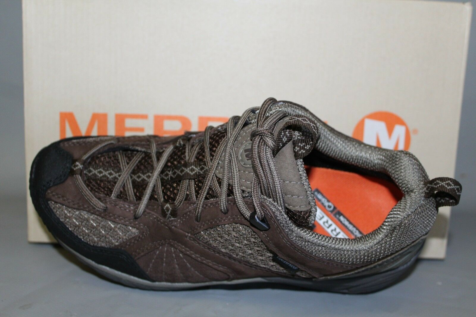 NEW Womens Merrell Avian Light Sz 7.5M, Waterproof Trail Athletic   Casual shoes