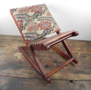Sedia A Dondolo Usata.Dettagli Su Antica Piccola Sedia A Dondolo In Legno Per Bambini Usata Vintage Design Italia