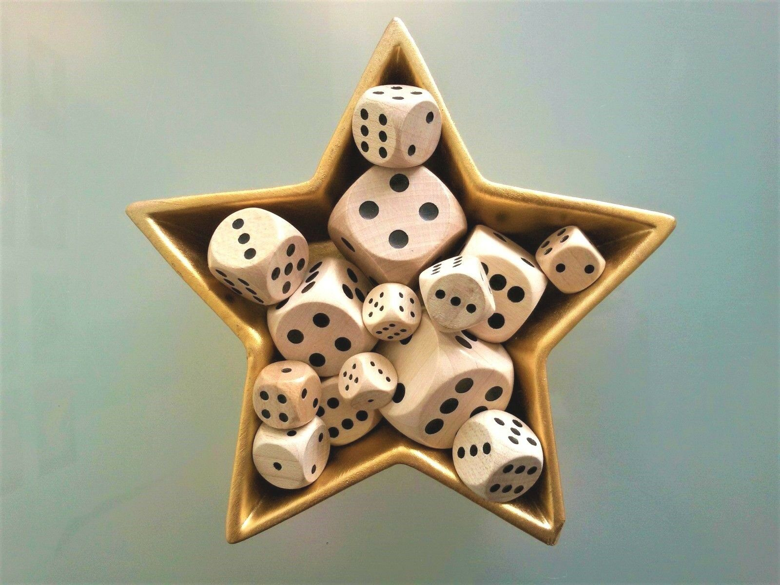 Wooden Dice - Six Sided Spot Dice for Board Games - D6 16mm