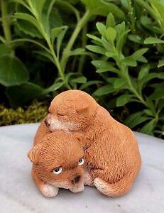 Miniature FAIRY GARDEN Figurine ~ CHRISTMAS Puppy /& Kitty Cuddling in Santa Hat