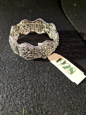 """And Great Variety Of Designs And Colors Full Range Of Specifications And Sizes Objective 50% Off Sale1928 Jewelry """"suriname"""" Silver-tone Flower Filigree Stretch Bracelet Famous For High Quality Raw Materials"""