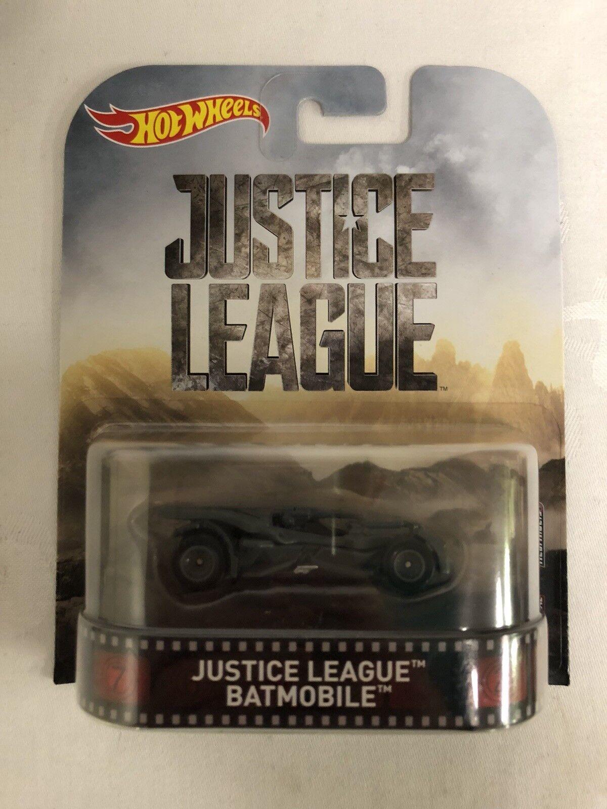 Justice League Batmobile 2017 Retro Hot Wheels 2017