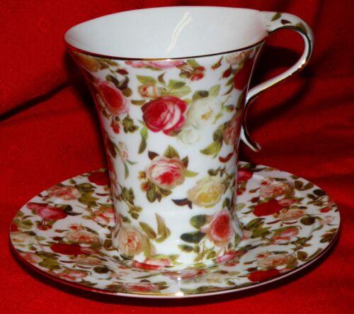 Kaffeebecher auf Fuß mit Untertasse   Rosendekor