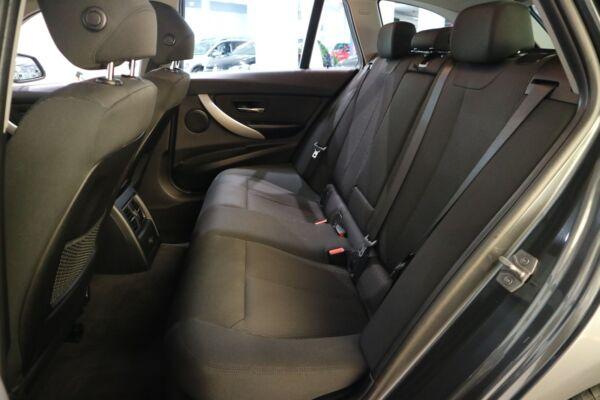 BMW 320d 2,0 Touring aut. billede 14