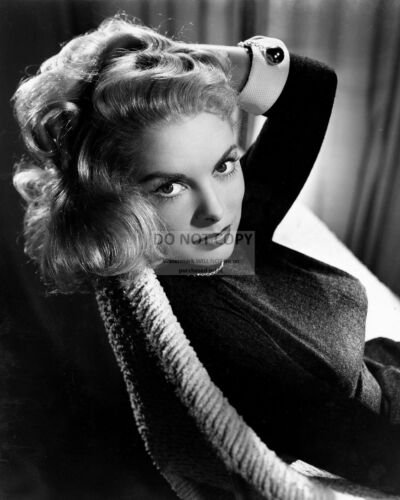 8X10 PUBLICITY PHOTO ACTRESS JANET LEIGH FB-885