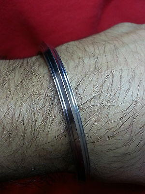 Golden Line en acier inoxydable Mesdames Kada Bracelet Rigide Sikh Kara 4.3 mm large