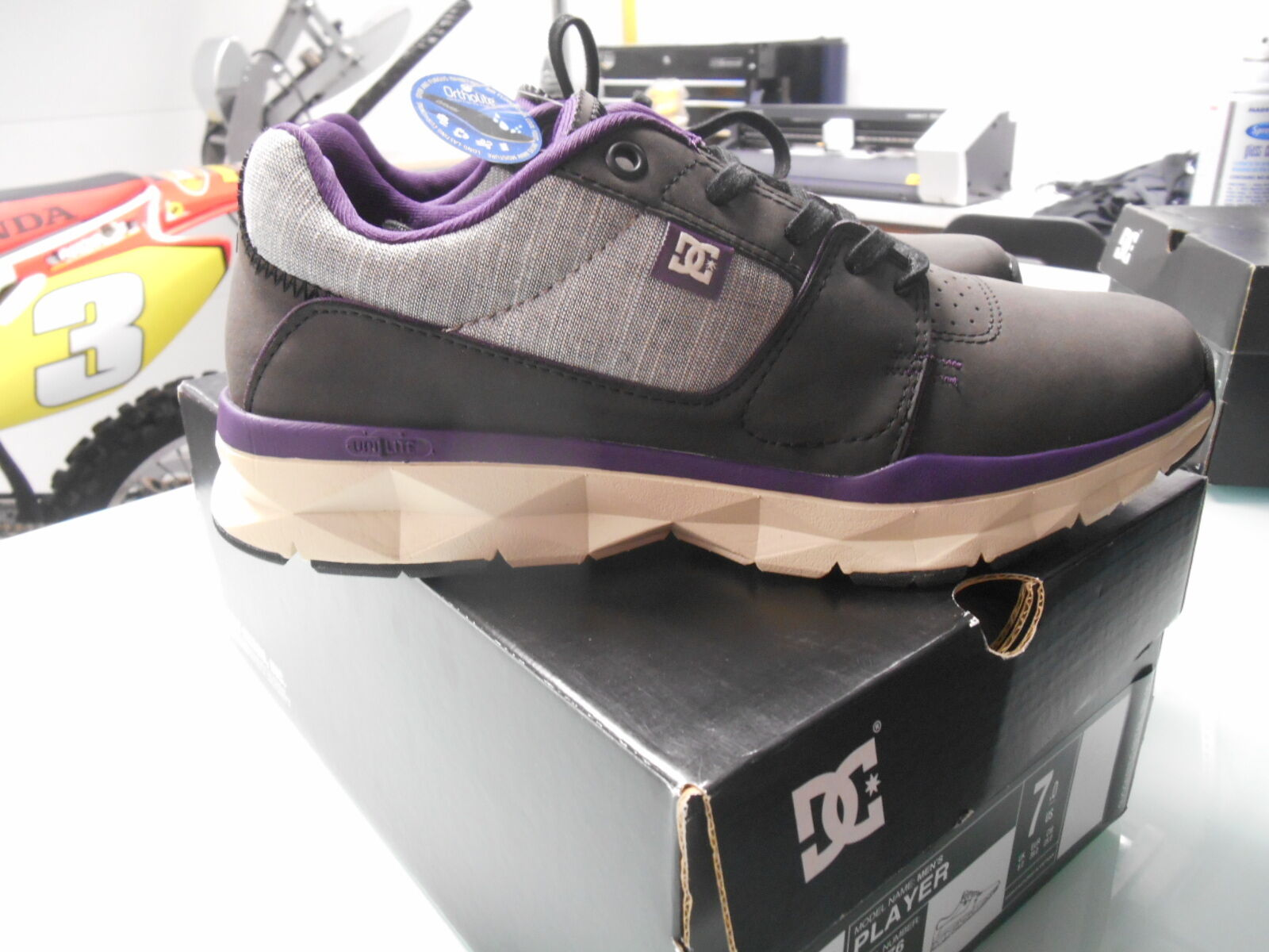 DC PLAYER zapatos UNILITE negro púrpura ATHLETE ATHLETIC COMFORTABLE zapatos SZ 7 US
