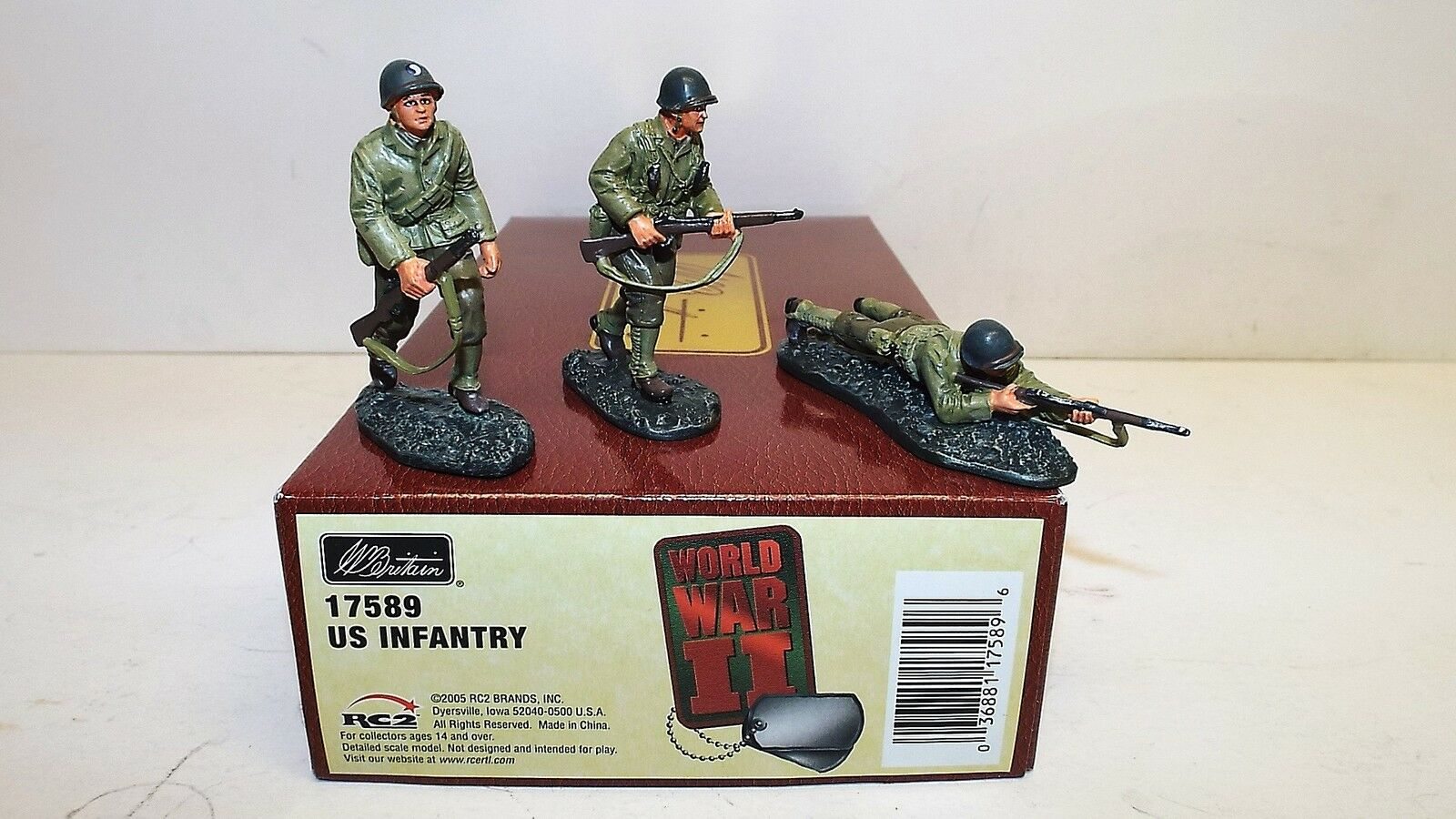 BRITAIN'S WW2 17589 US INFANTRY MINT BOXED 54MM (BS719)