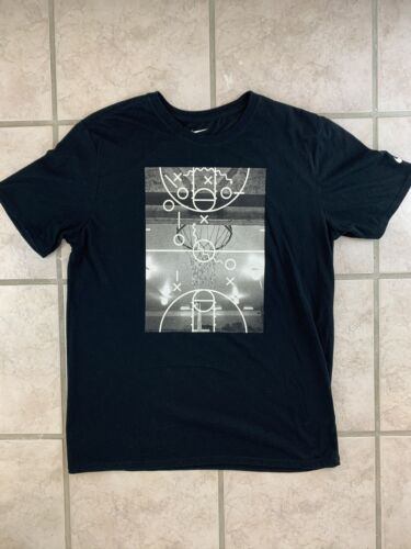 Nike Basketball Graphic T Shirt Black • Large