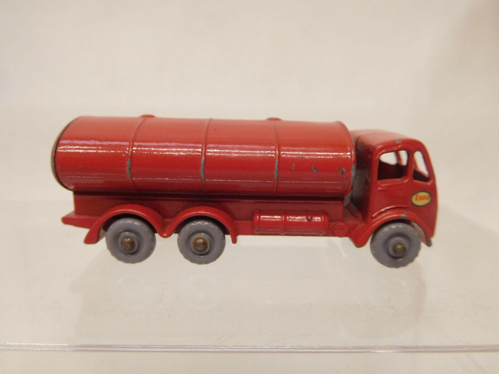 X-64312 MatchBox Regular Wheels Nr. 11B ERF Petrol Tanker